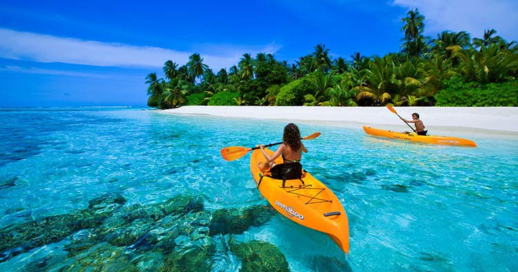 kayaking the maldives